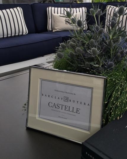 Castelle sign crop